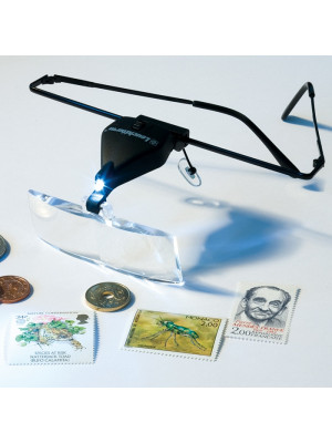 Brilles ar 3 palielināmiem stikliem un LED 300142